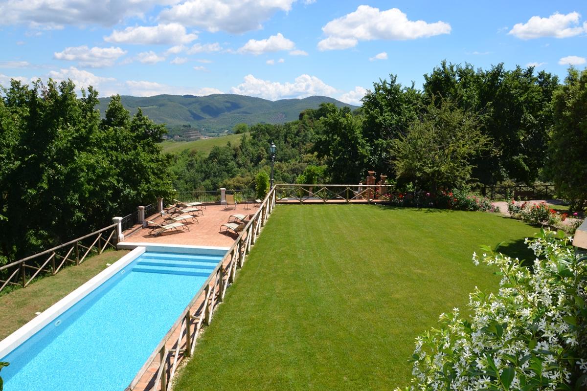 Agriturismo con piscina in umbria la posta di confine - Agriturismo napoli con piscina ...